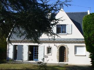 Nice House with Dishwasher and Short Breaks Allowed - Le Pouliguen vacation rentals