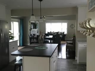 Spacious 4 bedroom House in Millersville - Millersville vacation rentals