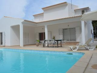Holiday Villa & Private pool, Beach - Olhos de Agua vacation rentals