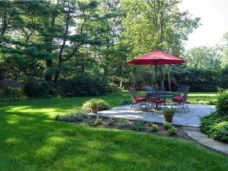 Perfect summer haven, ten minutes walk to village - Bellport vacation rentals