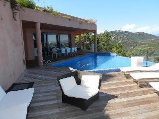 4 bedroom Villa with Internet Access in Théoule sur Mer - Théoule sur Mer vacation rentals