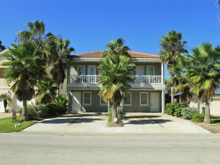 Upscale 4 plex, semi-private pool, very close to beach! - South Padre Island vacation rentals
