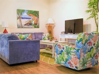 Poolside courtyard condo,close to beach! - South Padre Island vacation rentals