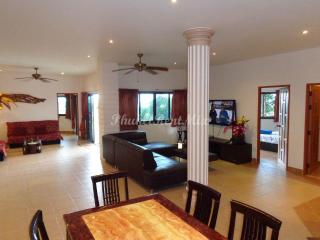 Four-bedroom Villa with sea views, near the beach - Karon vacation rentals