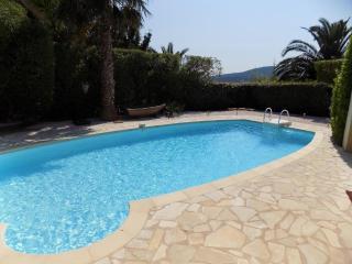 Rez de villa proche plage avec piscine privative - Saint-Maxime vacation rentals