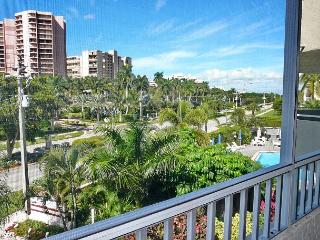 Ideally located condo w/ heated pool & short walk to beach - Marco Island vacation rentals