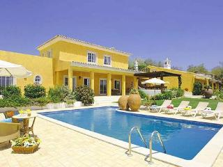 9 bedroom Villa in Boliqueime, Central Algarve, Portugal : ref 1717087 - Boliqueime vacation rentals