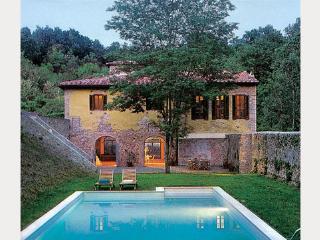 4 bedroom Villa in San Gimignano, Tuscany, Italy : ref 1719183 - Montecchio vacation rentals