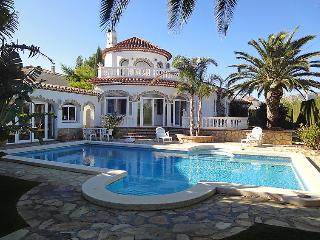 4 bedroom Villa in Miami Platja, Costa Daurada, Spain : ref 2016371 - Miami Platja vacation rentals