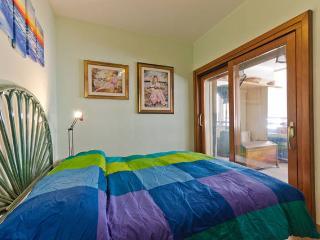 Casa Azzurra a 150 metri dal mare - Reggio di Calabria vacation rentals