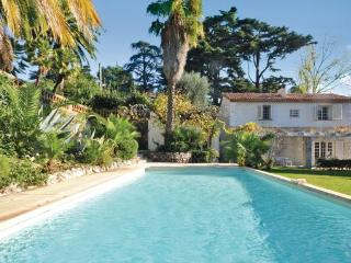 5 bedroom Villa in Cannes, Cote D Azur, France : ref 2042361 - La Bocca vacation rentals
