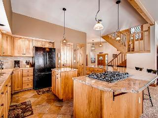 Located on Peak 8, short walk to shuttle stop - perfect villa for families! - Breckenridge vacation rentals