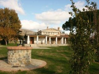 6 bedroom Villa in Cortona, Tuscany, Italy : ref 2020446 - Castiglion Fiorentino vacation rentals