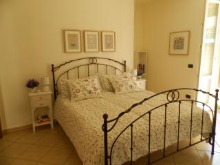 Nice 1 bedroom House in Brunate - Brunate vacation rentals