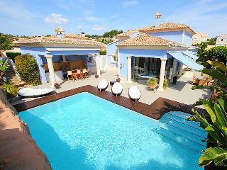 3 bedroom Villa in Calpe Calp, Costa Blanca, Spain : ref 2027903 - La Llobella vacation rentals