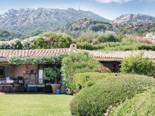2 bedroom Villa in Porto Cervo, Sardinia, Italy : ref 2039254 - Cala di Volpe vacation rentals