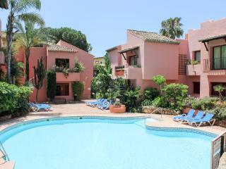 Los Jardines de Don Carlos Elviria 1786 - Elviria vacation rentals