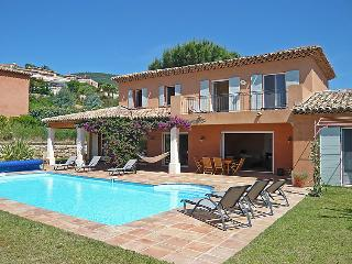 5 bedroom Villa in Cavalaire, Cote d'Azur, France : ref 2057391 - Cavalaire-Sur-Mer vacation rentals