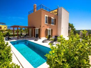 Cozy 3 bedroom Villa in Splitska - Splitska vacation rentals