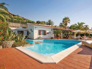 3 bedroom Villa in Parghelia, Calabria, Italy : ref 2089787 - Parghelia vacation rentals