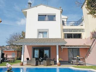 6 bedroom Villa in San Pol De Mar, Catalonia, Spain : ref 2096060 - Sant Cebria de Vallalta vacation rentals