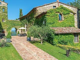 4 bedroom Apartment in Umbertide, Cortona e Valdichiana, Umbria, Italy : ref - Spedalicchio vacation rentals