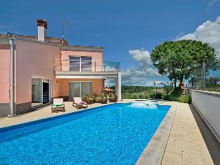 4 bedroom Villa in Pula Banjole, Istria, Croatia : ref 2098081 - Banjole vacation rentals