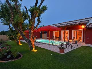 5 bedroom Villa in Buje Plovanija, Istria, Croatia : ref 2098942 - Gamboci vacation rentals