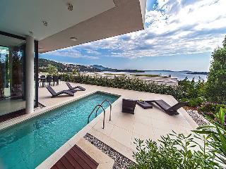 3 bedroom Villa in Primosten, Central Dalmatia, Croatia : ref 2099313 - Primosten vacation rentals