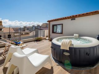 LA SUITE DI TYCHE X 4 with veranda and jacuzzi - Castellammare del Golfo vacation rentals