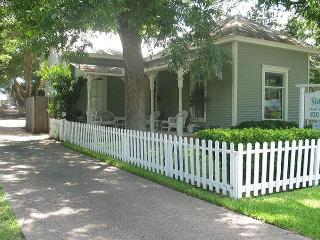 STADT PLATZ  NB Historic District- Sleep 18 - New Braunfels vacation rentals
