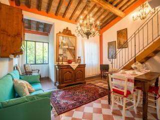 Tognazzi Casa Vacanze - Appartamento La Bifora - Certaldo vacation rentals