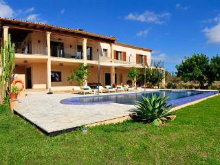 5 bedroom Villa in Cala D Or, S Horta, Mallorca, Mallorca : ref 2132383 - Cala d'Or vacation rentals