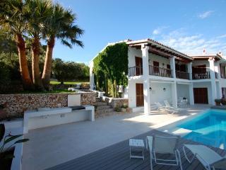 4 bedroom Villa in Cala Santa Galdana, Menorca, Menorca : ref 2132482 - Serpentona vacation rentals