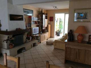Maison tout confort , 4personnes, limitrophe Nante - Saint Herblain vacation rentals