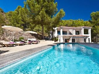 4 bedroom Villa in San Jose, Salinas, Baleares, Ibiza : ref 2132832 - Es Vive vacation rentals