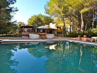 4 bedroom Villa in Santa Eulalia Del Rio, Cala Llenya, Ibiza, Ibiza : ref 2132905 - Cala Lenya vacation rentals