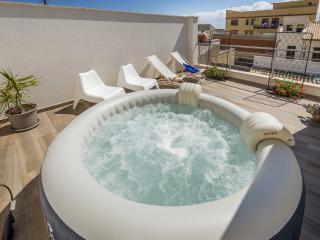 LA SUITE DI TYCHE X 6 - Castellammare del Golfo vacation rentals