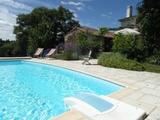 Newly renovated rural  gite, shared used of pool - Bussiere-Poitevine vacation rentals