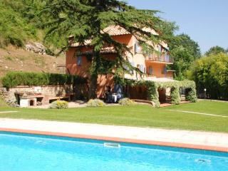 4 bedroom Villa in Camaiore, Versilia, Tuscany, Italy : ref 2135418 - Monteggiori vacation rentals