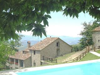 10 bedroom Villa in Sansepolcro, Arezzo And Surroundings, Tuscany, Italy : ref 2135445 - Sansepolcro vacation rentals