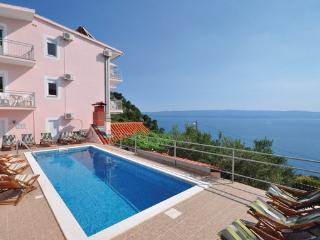 8 bedroom Villa in Omis, Croatia : ref 2183882 - Omis vacation rentals