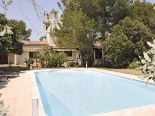 5 bedroom Villa in Cavaillon, Vaucluse, France : ref 2184801 - Cavaillon vacation rentals