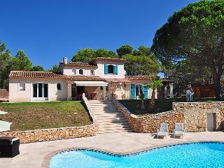 Villa in Puget sur argens, Cote d Azur, France - Bagnols-en-Foret vacation rentals
