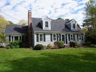 Perfect 5 bedroom Cotuit House with Deck - Cotuit vacation rentals