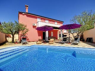 5 bedroom Villa in Rovinj Rovinjsko Selo, Istria, Croatia : ref 2218456 - Rovinjsko Selo vacation rentals