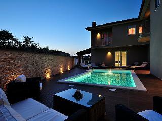 5 bedroom Villa in Rovinj Rovinjsko Selo, Istria, Croatia : ref 2218568 - Rovinjsko Selo vacation rentals
