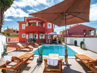 7 bedroom Villa in Pula, Croatia : ref 2219158 - Stinjan vacation rentals
