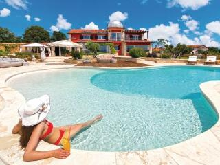 5 bedroom Villa in Pula-Valtura, Pula, Croatia : ref 2219205 - Valtura vacation rentals
