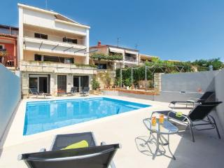 9 bedroom Villa in Pula, Croatia : ref 2219430 - Pula vacation rentals